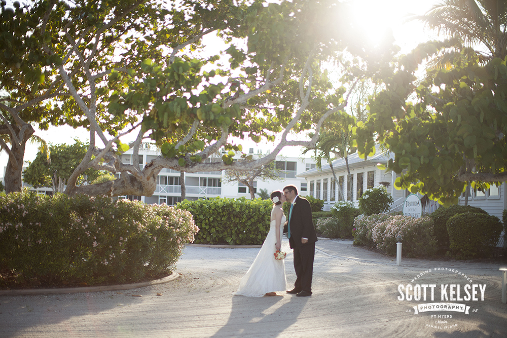 scott-kelsey-wedding-sanibel-island-inn-0011