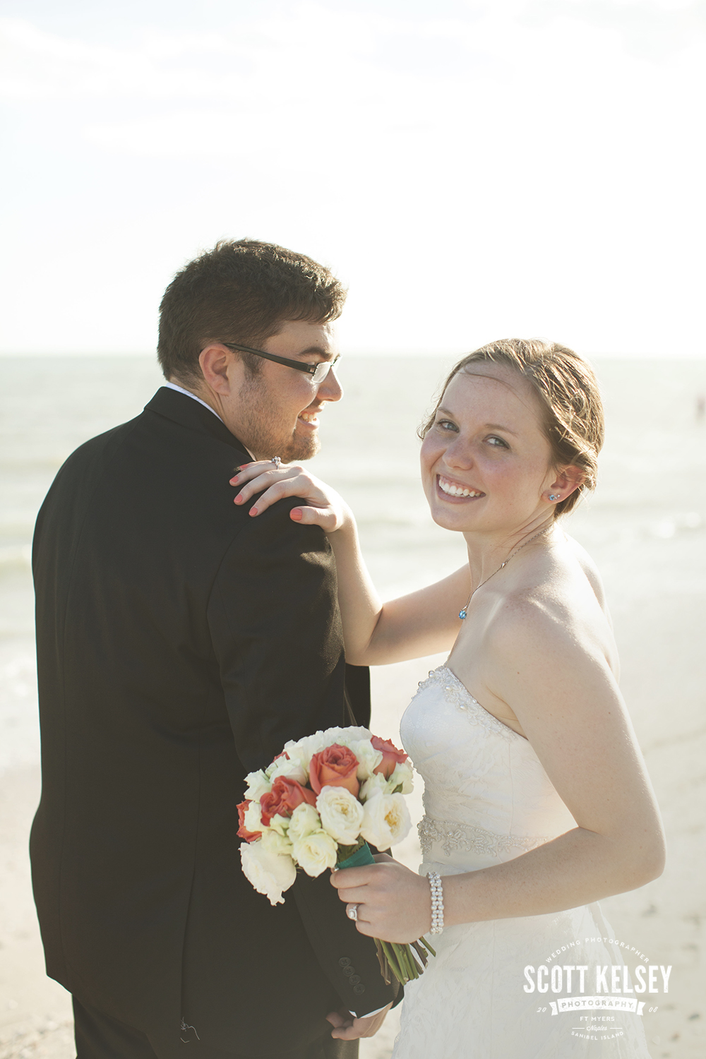 scott-kelsey-wedding-sanibel-island-inn-008
